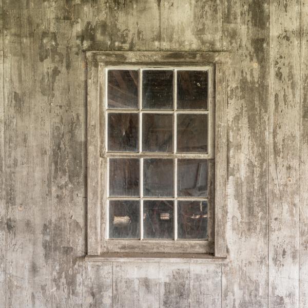 Παλιό Παράθυρο με Καΐτια
